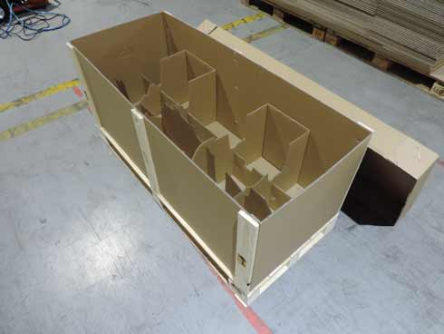 Paletový box s dřevěnou výstuží