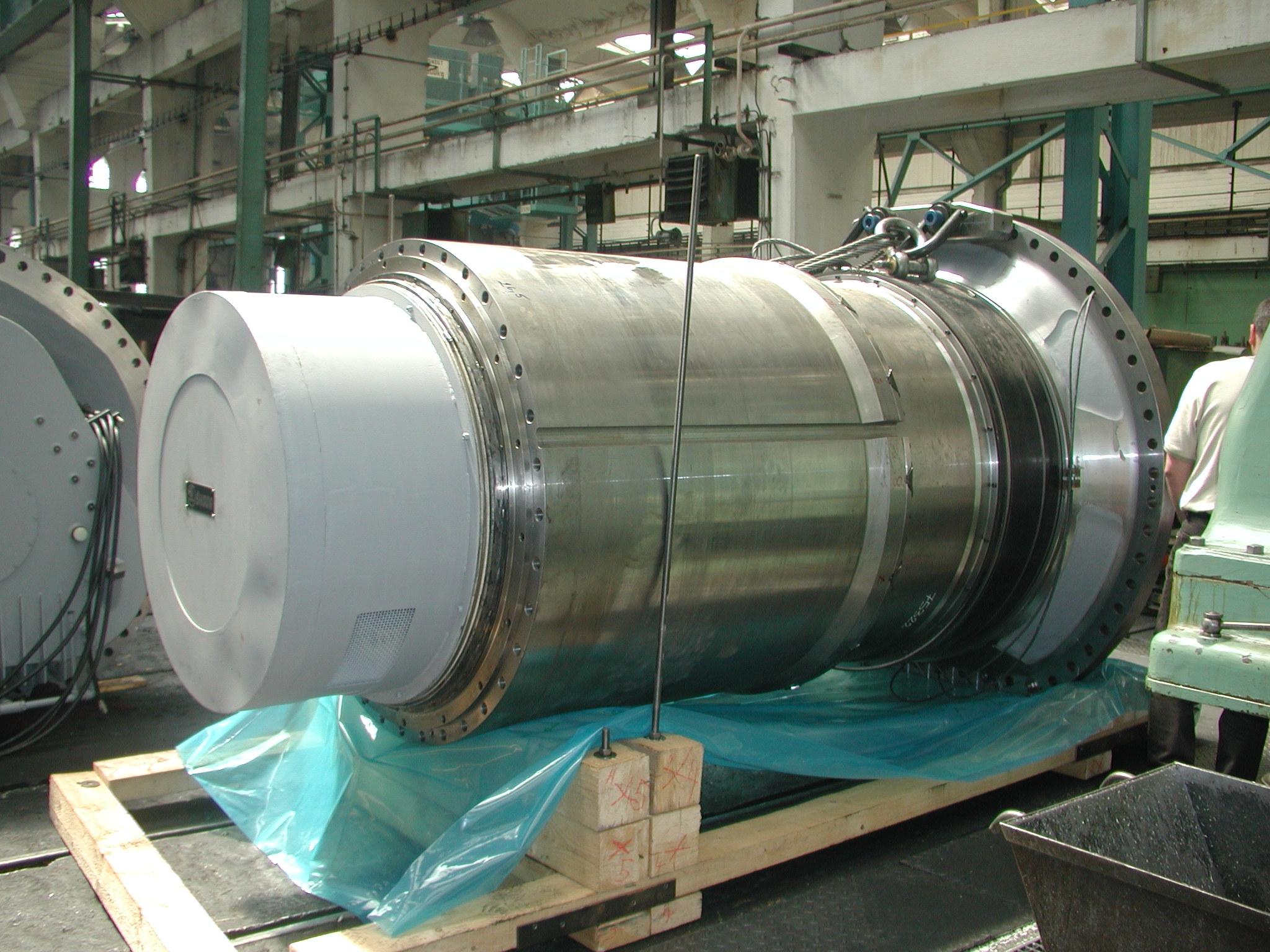 Strojírenský prvek během procesu balení